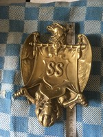 Birodalmi Sast ábrázoló német réz hamutálca. Imperial Eagle brass ashtray as decoration.