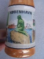 Koppenhágai kupa  Méretek: 11 cm x 7 cm Mázas fajansz.Palástján koppenhágai motívumokkal Hibátlan