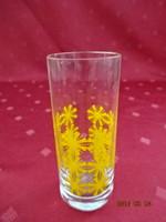 Henger alakú, sárga mintás pálinkás üvegpohár, magassága 9 cm.