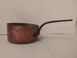 Antik ónozott konyhai eszköz vörösréz serpenyő lábas vas füllel 3894