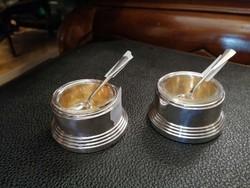 Ezüst sószóró fűszeres, bors szóró fűszertartó üveg betéttel. 2 db kanál. 2db- os szett.
