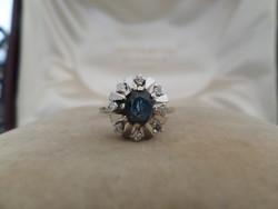 Zafíros - brilles fehér arany gyűrű