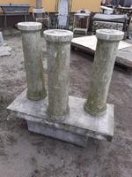 3 db antik márványoszlop