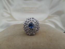Zafíros - brilles fehér arany koktél gyűrű