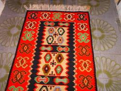 Wool woven rug 115 cm x 67 cm