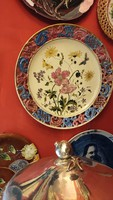 Steidl Znaim. Kerámia majolika tányér, fali tányér. Kézzel festett. 1898 év.