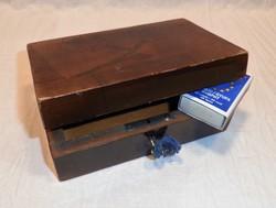 Régi, intarziás doboz