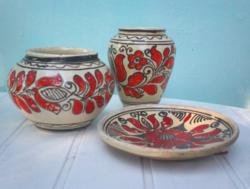 Piros tulipános kerámia kaspó váza tányér együtt a 3 db