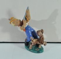 Art deco komlós kerámia, vadászó kisfiú