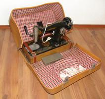 Union pedálos varrógép bőröndben - minden tartozékával - Régi, de műkődőképes!