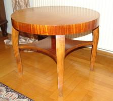 V48 Bieder dohányzó asztal