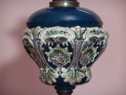 Antik  osztrák majolika  petróleum lámpa