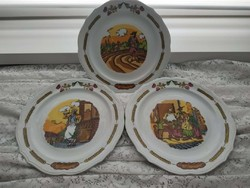 Jelenetes  porcelán lapostányérok