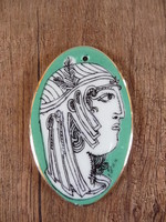 Hollóházi Szász Endre porcelán zöld medál