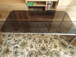 Üveg dohányzó asztal