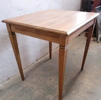 Barokk stílusú bükk színű asztalok!