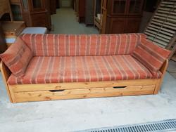 Eladó szép állapotú Helsinki nyitható kanapé.