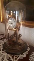Gyönyörű üvegbúrás régi asztali óra