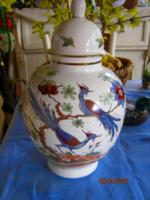 Porcelán fedeles váza madaras