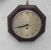 Fa óra,hajó óra 8 szögletes mutatós darab,màsodpercmutatós . Szecessziós Art Deco stílusú
