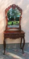 Antik hatású  konzol asztal tükörrel