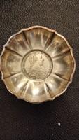 Ezüst  hamutartó  vagy kis kínáló. Angol ezüst érmé a belsö dísze. 6 szam