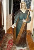 Nagyon öreg vallási témájú szobor.