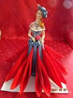Német kerámia figurális szobor, szalvétatartó hölgy rózsával, díszdobozban.