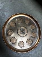 Eladó lovas címeres bronz fali tál - M400