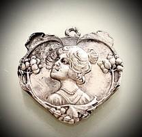 Ezüst medál ! Barokk stílusban