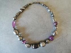 Lila ezüst színű dekoratív bizsu nyakék