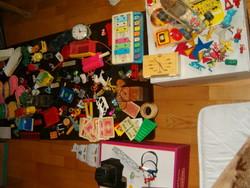 100 darab régi játék retró szocreál trafik áru gyerek schenk 80 as évek kisautók zene orosz stb