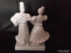Zsolnay : Táncoló Matyó páros