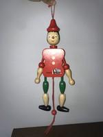 Pinokkió fa baba bábu felakasztható figura 29 cm