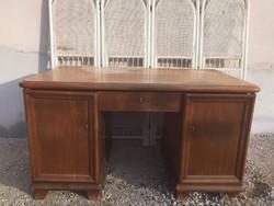 Réges régi masszív nehéz íróasztal, térbehelyezhető hátulja polcos