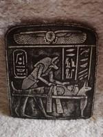 Egyiptomi mintájú kőtábla