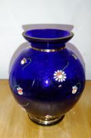 Antik parádi üveg hasas váza kobaltkék alapon zománc festett kamilla virágok -  három arany csíkkal