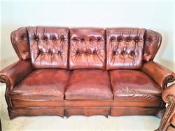A307 Gyönyörű eredeti antik chesterfield bőr kanapé