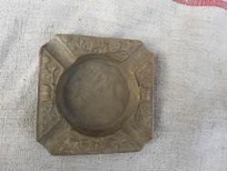 Eladó régi bronz hamutartó