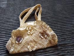 Csípkés alkalmi táska