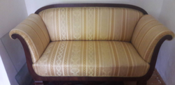 Biedermeier stílusú kanapé a XIX. század második feléből