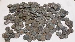 Romái  200 db pénz  eladó  egyben 50000 ft vagy külön