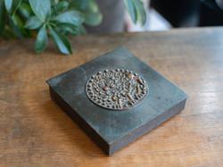 Jelzett Kopcsányi Ottó iparművész bronz doboz - réz dísztárgy oroszlános díszplakettel