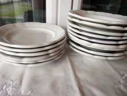 Antik   tányér  15 db