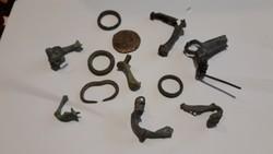 12 db római  gyűrű  és  fibula egyben eladó  28000ft