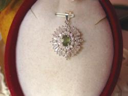 Ritka zöld zafír köves medál - 925 ezüst