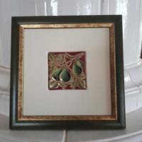 Zsolnay: Falikép 21,5x21,5 cm, eozin füge csendélet, márka és szignó, gyári képkeret