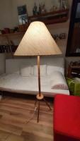Retró, 3 lábon álló, fából készült állólámpa, választható régi, textil ernyőkkel. ( 1.)