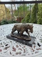 Halat fogott a medve - bronz szobor műalkotás