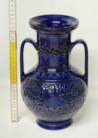 """""""Józsa János Korond""""  kétfülű, kékmázas, karcolt fekete virágmintás népi kerámia váza (1638)"""